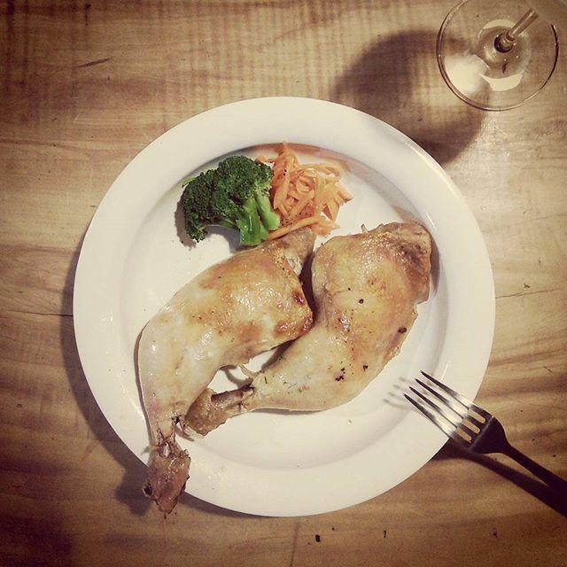 クリスマスにはまだ早いけど。先日の戦利品@naoto416 のお皿に何か盛ってみたくて。 - from Instagram