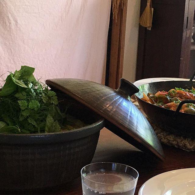 土鍋で玉蜀黍のピラフ!ハーブもりもりで美味しかったー。@ciaotome さんの料理教室で使っていただきました。#四月の魚料理教室 #城進 #土鍋