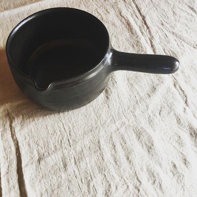 スープとかお饂飩とかお粥とか…。.城 進 くらしの道具・日々のうつわ 展11月10日(土)〜18日(日)悠遊(福岡)にて在廊日 10日、11日土鍋、グラタン皿など耐熱とそのまわりの器を中心に。どうぞよろしくお願いします。@yu_yu0304 @jojosusumu