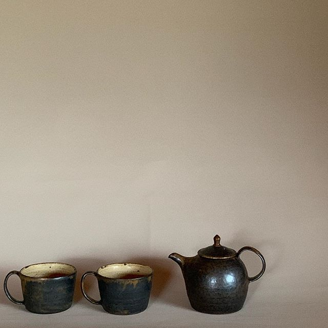 今回はKOHOROさんが地紅茶も合わせて販売します!ということで…色々作ってみました。.城進展11/2(土)〜11/11(月)KOHORO二子玉川店にて11/2在廊ポットやカップ、耐熱の器も並びます。どうぞよろしくお願いします。@irohani_kohoro @jojosusumu