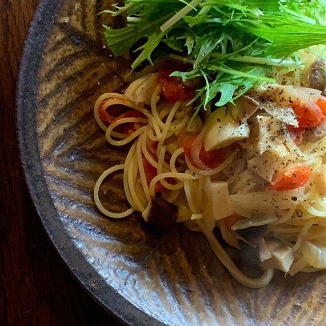 今日のお昼ごはん原木椎茸とミニトマトのパスタ椎茸美味しい。たまらん。@jojosusumu