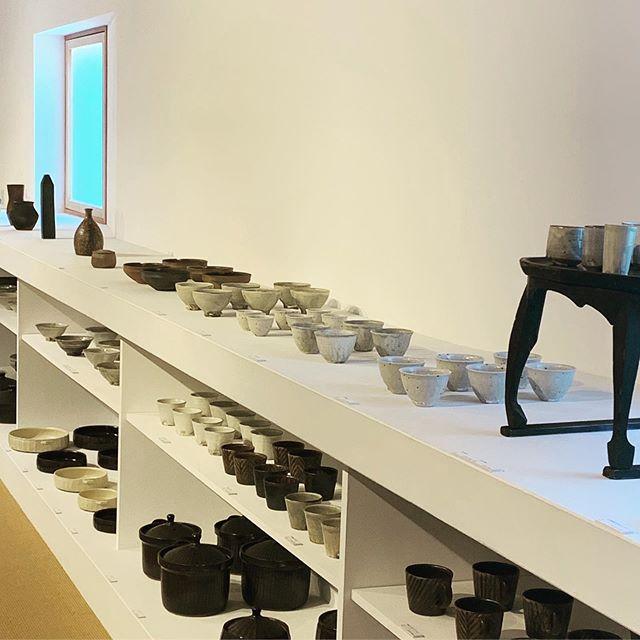 今度の日曜日 1/26まで開催中です。温かいは美味しい。土鍋、グラタン皿、ポット、マグカップまだまだありますよ。城 進 展 普段使いの器2020.1.4 sat〜1.26 sunギャラリーやまほん にて@galleryyamahon @jojosusumu